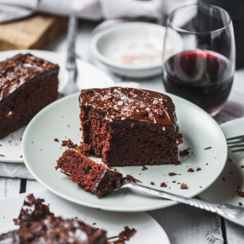 Luscious Chocolate Wine Cake