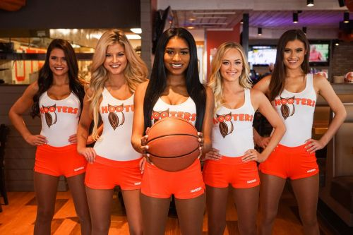 Everyone's a Winner with Hooters Scratch & Wing Cards During the Tournament Games