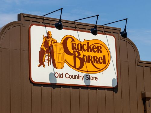 Cracker Barrel Adds Booze to Menus So You Can Get Drunk the Old Country Store Way