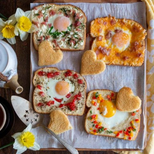 Baked Eggs in Toast