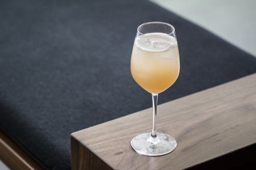 Wine Cocktail: Peacock Buck