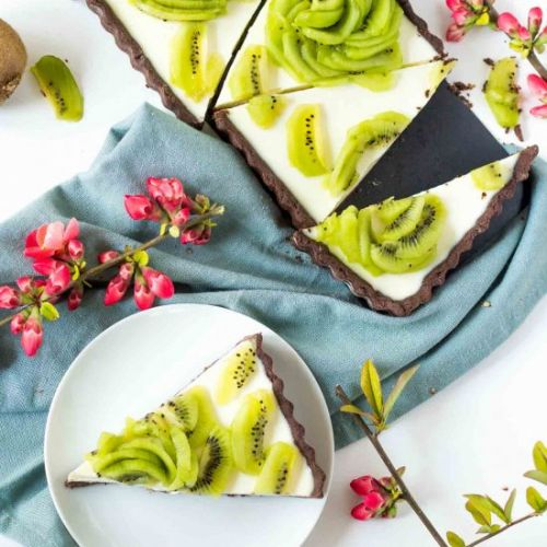 Kiwi Yogurt Panna Cotta Tart