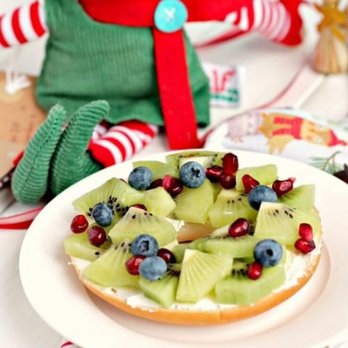 Fruity Christmas Wreath Bagels