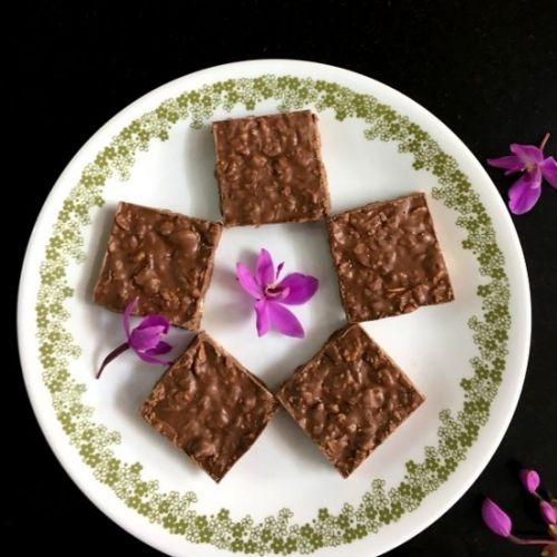 2-Ingredient Chocolate Crunch Bars