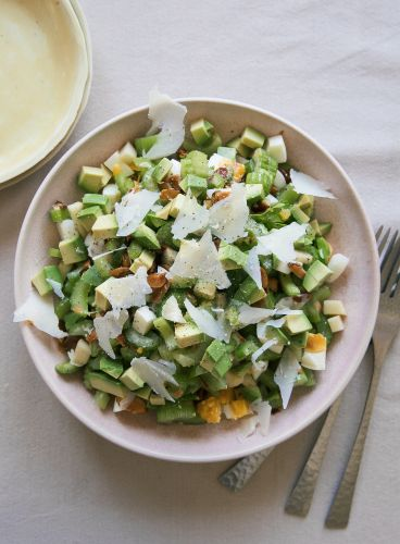 Be Healthy with a Celery and Apple Salad