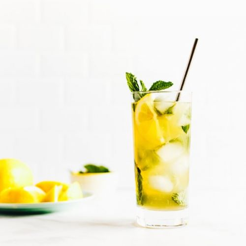 Whiskey Lemonade with Mint Ice