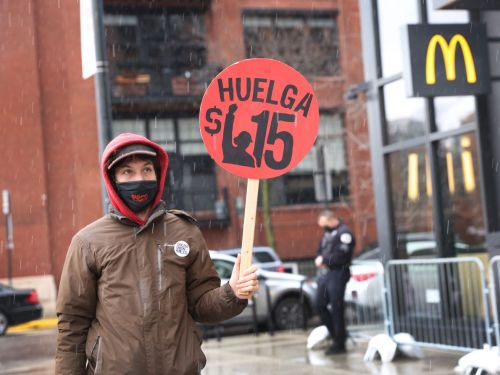 Chicago Chefs Prepare to Raise Prices If the Minimum Wage Increases