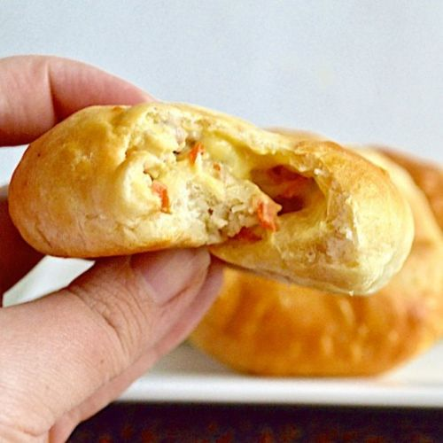 Chicken Pot Pie Bombs