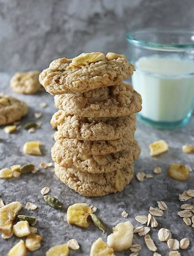 Gluten Free Banana, Oat, and Chocolate Chip Cookies