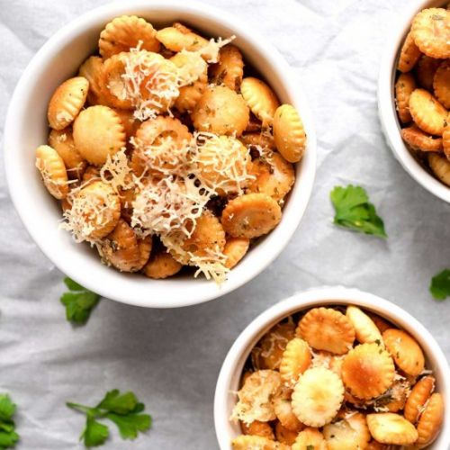 Parmesan Garlic Oyster Crackers