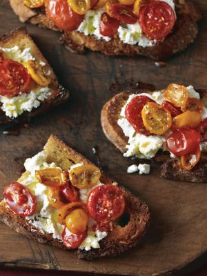 Bruschetta with Caramelized Tomatoes and Ricotta