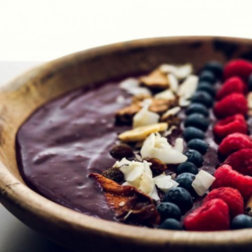 Energy boosting smoothie bowl