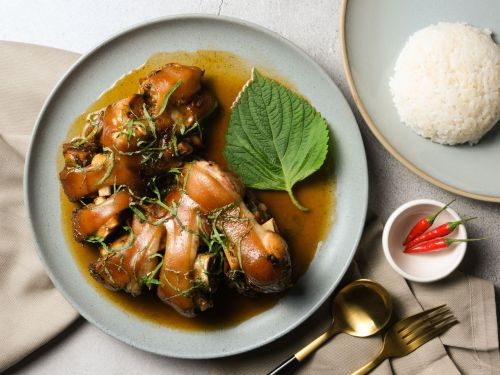 A Comforting Braised Pig Feet Recipe Perfect for Your Pressure Cooker