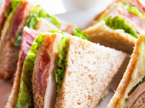 Parisian Parents Rage After Schools Fed Kids Pre-Packaged Sandwiches For Lunch