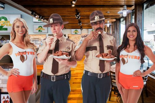 Hooters Snozzberry Sauce to Debut on 4/20