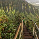 """This Illegal Hike in Hawaii Is Nicknamed the """"Stairway to Heaven"""" For Good Reason"""