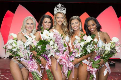 Hooters Takes Over Charlotte Motor Speedway This Memorial Day Weekend to Crown 2018 Miss Hooters International