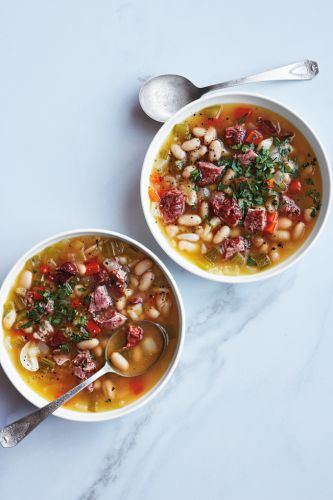 Slow-Cooker White Bean and Ham Hock Soup