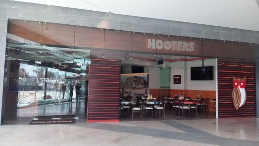 15th Hooters Location in Mexico Opens in Antenas