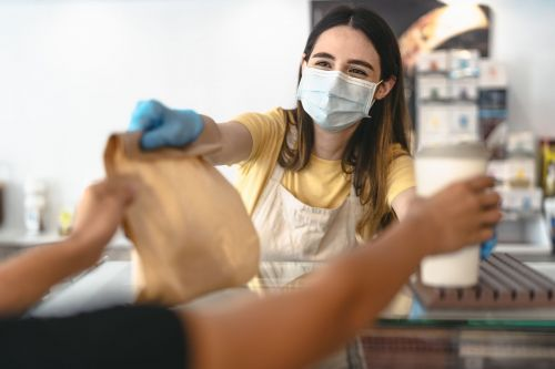 As Mask Mandates Spread, Training Released to Provide Restaurant Operators with De-Escalation Strategies