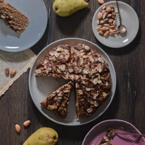 PEAR AND ALMOND CAKE