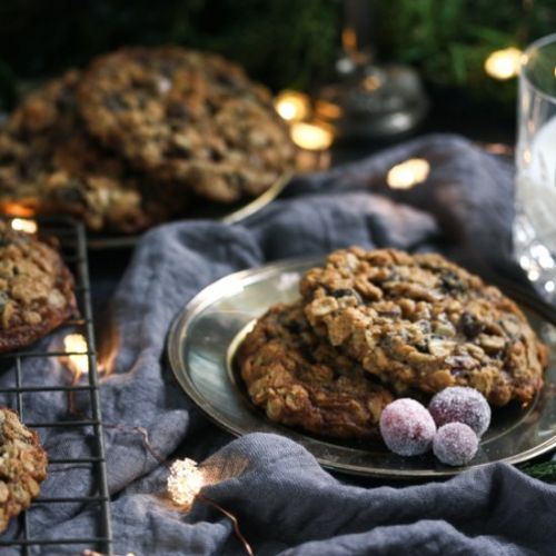 Spiced choc-chip oatmeal cookies