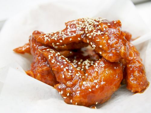 Watch: Korean Fried Chicken So Spicy, You'll Cry
