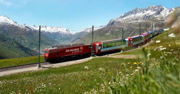 This Luxury Swiss Train Ride Pairs Champagne Dining With Spectacular Views