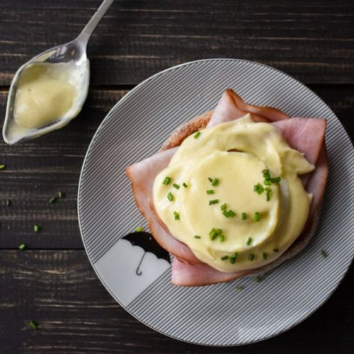Healthy Instant Pot Eggs Benedict