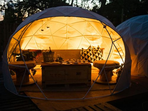 A Restaurant Made Entirely From Geodesic Domes Is a Perfect Metaphor for Dining in 2020
