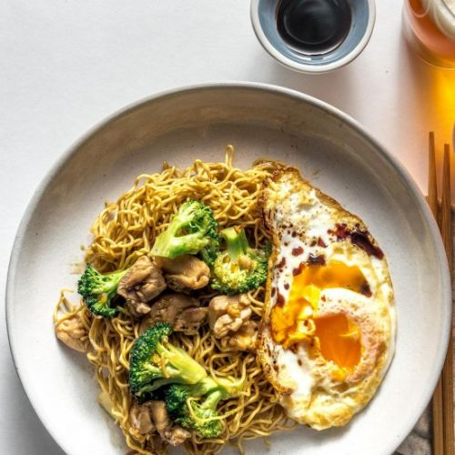 Chicken and Broccoli Chow Mein