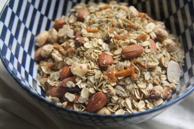 Granola with Ginger, Almonds and Hemp Seed Hearts