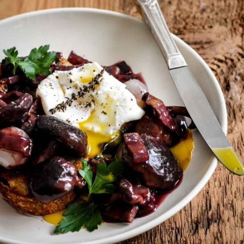 Poached Egg in Red Wine Sauce