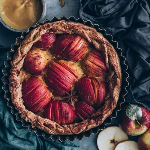 Vegan Apple Pie with Caramel