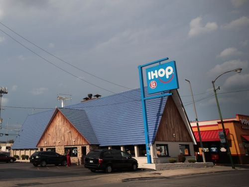 Police Falsely Accuse Black IHOP Customers of Leaving Without Paying