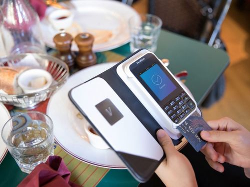 NYC Politician Wants to Ban Cashless Restaurants