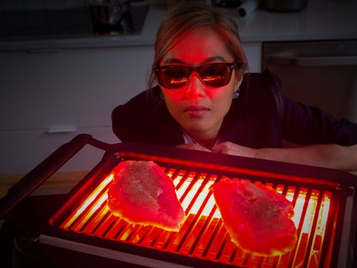 Watch: Do You Really Need an Indoor Smokeless Grill?