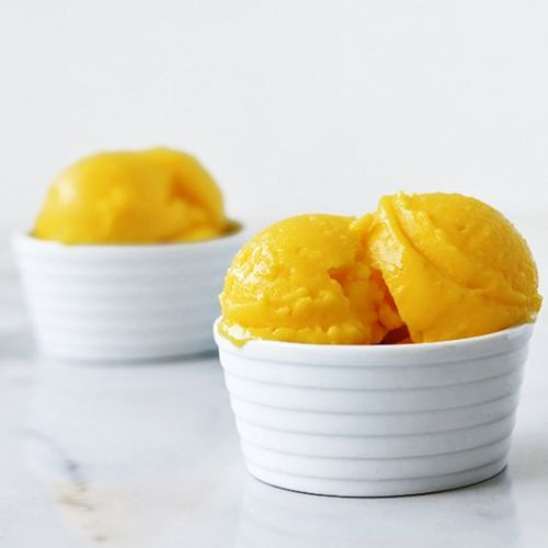 MANGO ALMOND ICE CREAM