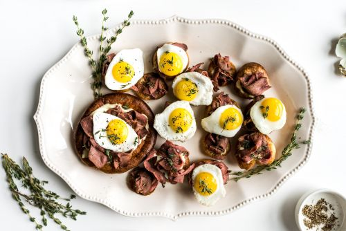Sunday Brunch: Breakfast Yorkshire Puddings with Roast Beef and Eggs