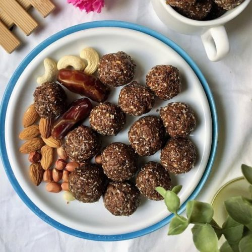 Dates and Nuts Energy Balls
