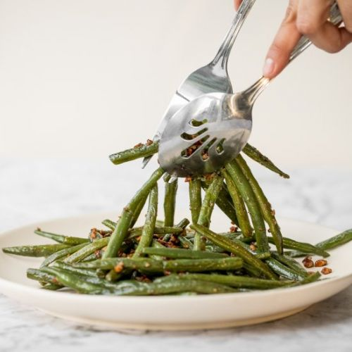 10-Minute Nutty Green Beans