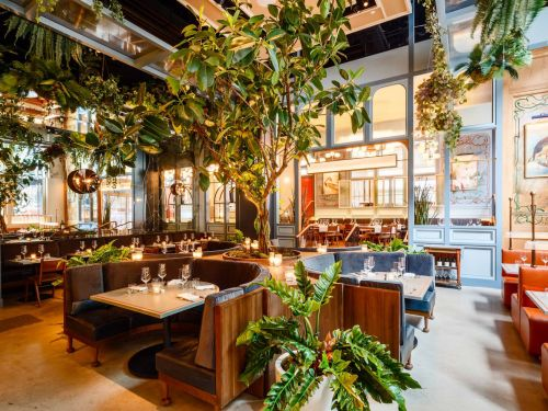 Forget Your Fiddle-Leaf Figs: 2020 Restaurant Decor Is All About the Booth Tree