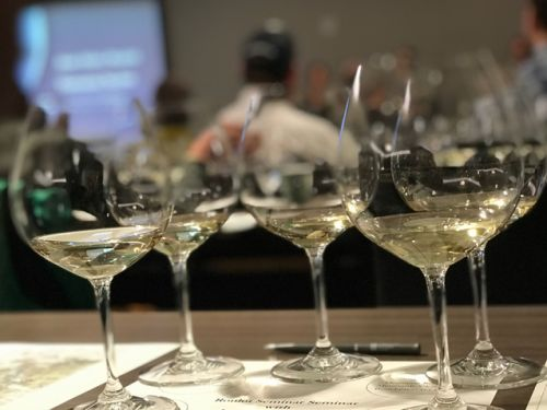 Houston AweSomm Sommelier competition now open to wine professionals across Texas. Top prize $1,200