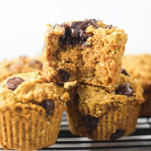 CHOCOLATE CHIP VEGAN PUMPKIN MUFFIN