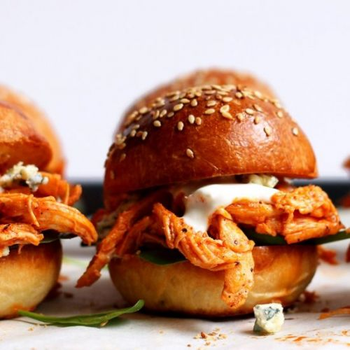 Buffalo pulled chicken burger