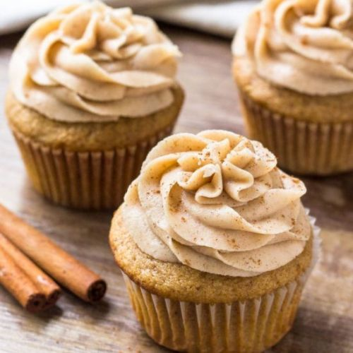 SPICE CAKE CUPCAKES WITH FROSTING