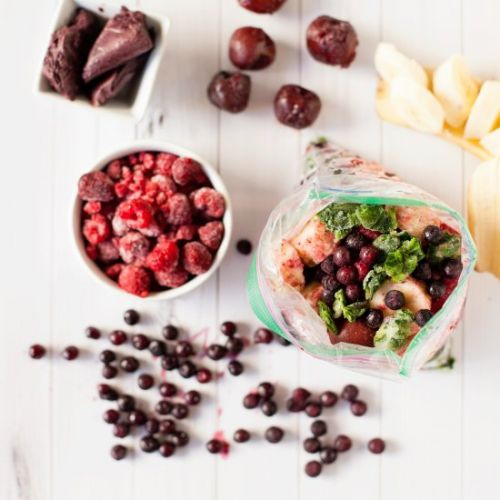 Meal Prepped Berry Smoothie Bags