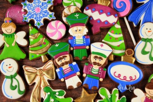 How to Make Decorated Nutcracker Sugar Cookies