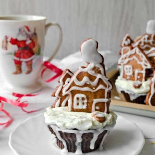 Chocolate Cupcake with Gingerbread