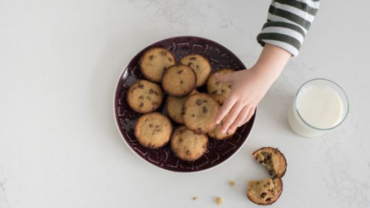 Social Media May Sway Kids To Eat More Cookies - And More Calories